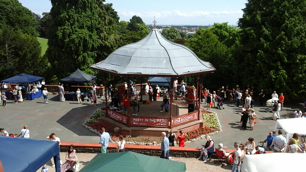 Party In the Parc_The Bandstand